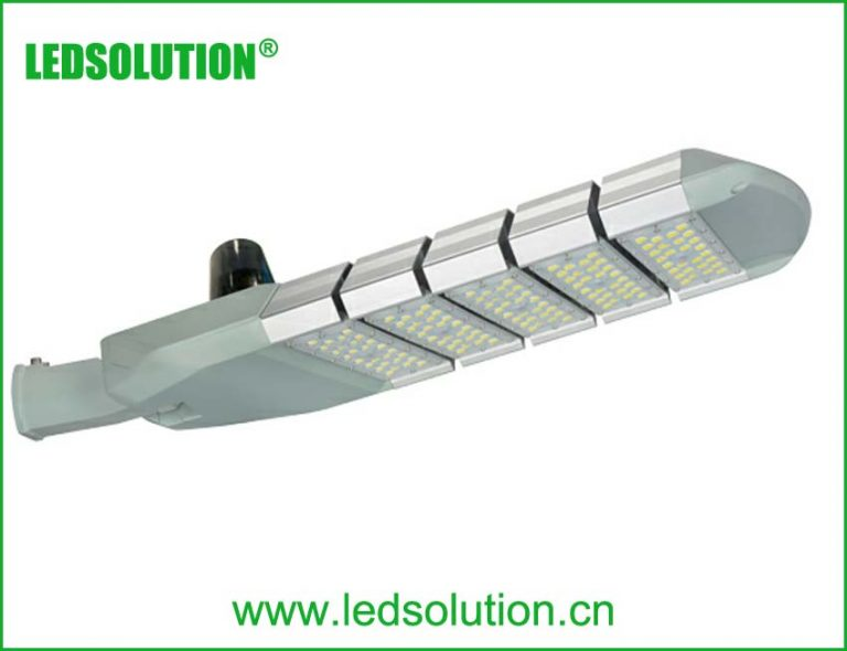 RL16 series CE CB ENEC IP67 IK09 250W 160LM/W adjustable photocell dia-cast aluminum photocell dimmable led street light,led urban lights,led road luminaires,led street lamp,eight years warranty,tool-free maintenance,class II.